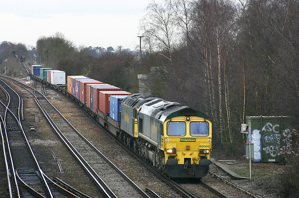66505 and 57002, Worting Junction 20/12/2004