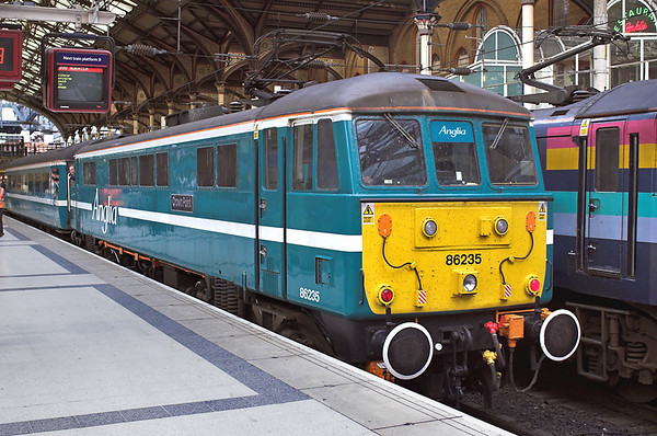 86235 London Liverpool Street 17/9/2005 1P54 1800 London Liverpool Street-Norwich  (Final class 86 departure for Anglia)