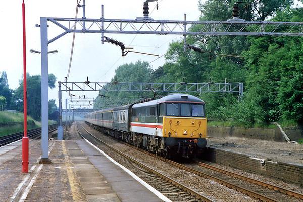 86103 Hatch End 10/6/1992 1425 Wolverhampton-London Euston