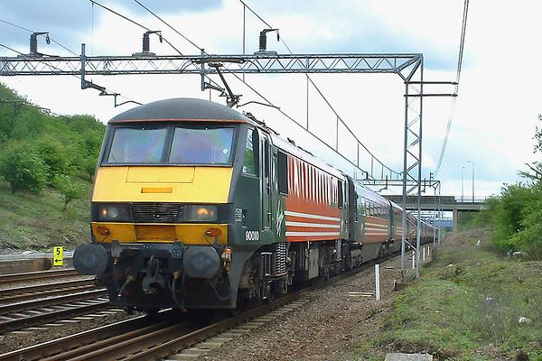 90010 Denbigh Hall Junction 3/5/2003 1S75 1230 London Euston-Glasgow Central