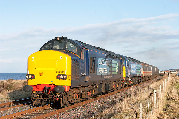 37259 and 47790, St Helens 17/12/2009 2Z29 1250 Maryport-Workington