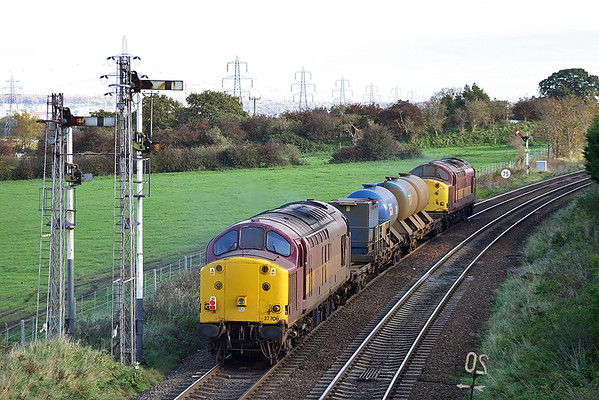 37706 and 37712, Helsby 26/10/2004