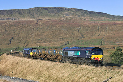 66401 and 66405, Ribblehead 17/11/2005 4Z06 0300 Carlisle Kingmoor-Carlisle Kingmoor