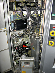 Compartment containing air isolation cocks on 60960 MS (221110), 17/3/2009