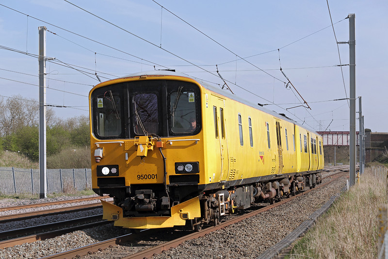 950001 Winwick Junction 20/4/2015<br /> 2Q08 1355 Derby RTC-Carlisle