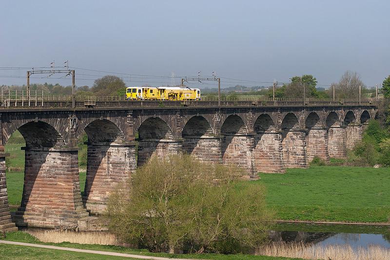 DR73909 Dutton Viaduct 20/4/2009<br /> 6J72 0924 Preston Dock Street-Rugby