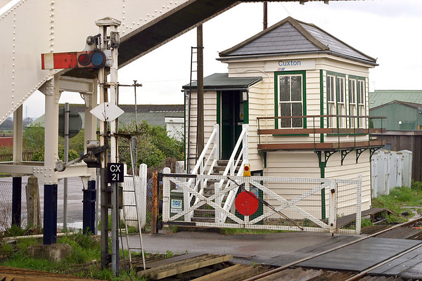 Cuxton Level Crossing and Signal Box 8/4/2005