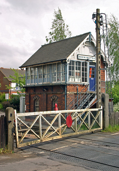 Heckington Level Crossing and Signal Box 21/5/2005