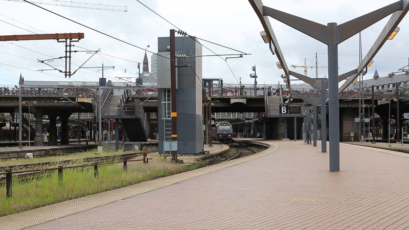DENMARK: DSB ME1511 Departs København H with the 1227 Østerport to Holbæk