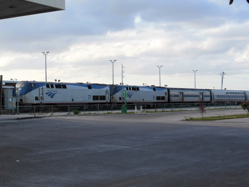 Amtrak GE P42DC Locomotives No. 71 (s/n 49635) and No. 86 (s/n 49624) at Miami: GE P42DC Locomotives No. 71 and No. 86