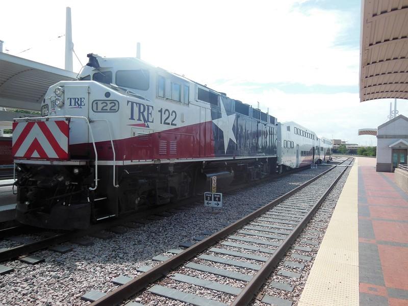 Trinity Railway Express (TRE) EMD F59PH Locomotive No. 122 (s/n A4753) at Dallas Union Station