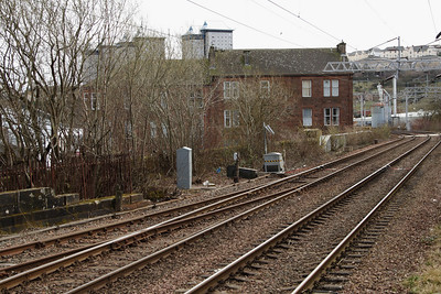 Looking towards Cartsdyke, this shows where the bay platform joins to the main line and also the exit (where the grey junction box is) where there was a short brach line down to street level to the goods yards at Bogle Street and Chapel Street, which is now the site of Morrisons Supermarket