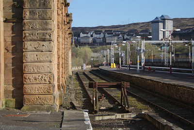 Looking along the bay platform at Greenock Central station