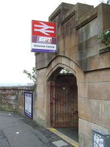Entrance to Greenock Central Platform 2 from Terrace Road