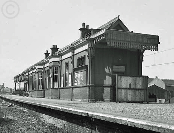 Upper Greenock Seen here after electrification and closure of the station, the station being closed on 5th June 1967 and replaced on the line by Branchton which opened on the same day. Greenock Greenock & Wemyss Bay Railway Opened 1865 Closed 1967 (Caledonain Railway 1893 - 1923 LMS 1923 - 1947 British Railways 1948-1967)