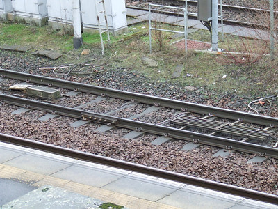 Track protection at Paisley Gilmour Street. The TPWS transmitter loop at the end of Platform 3
