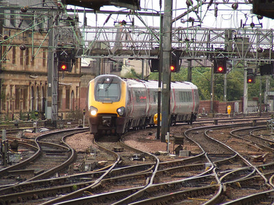 220026 arriving at Glasgow Central with a CrossCountry service from Dunbar