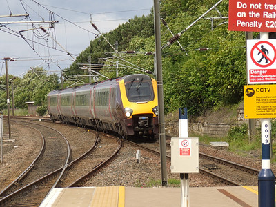 220024 approaching Berwick Upon Tweed on a Southbound CrossCountry service