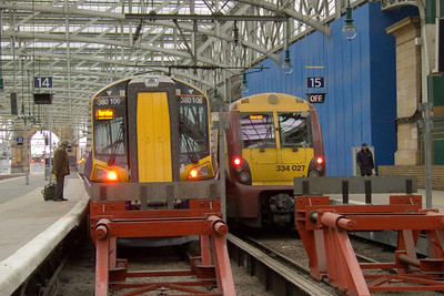 380106 at P14 alongside 334027 at P15. The Class 380 will displace the Class 334