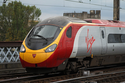 390018 'Virgin Princess' arriving on a service from London Euston