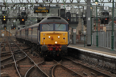 47841 about to draw into P10 with working 5Z59 with a Crusie Saver Special running empty stock from Crewe to Glasgow Central