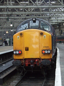 Front end of 37605 at the rear of the NMT, Platform 2