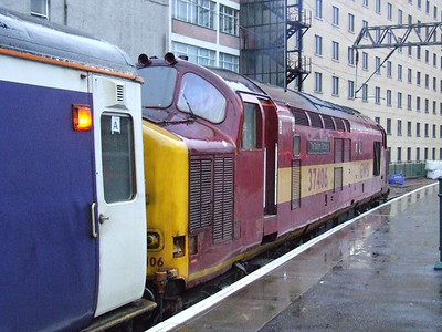 37406 Saltire Society at P1 to collect the Glasgow Central portion of the Caledonian Sleeper