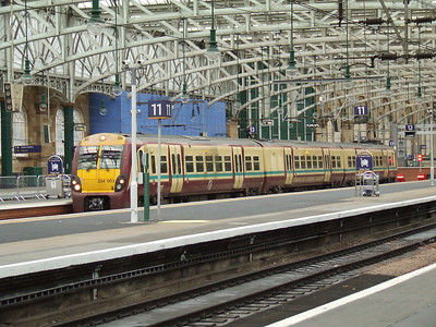 334003 at P12 of Glasgow Central