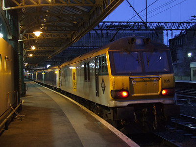 92036 Bertolt Brecht having arrived to take the Glasgow Central portion of the Caledonain Sleeper to Polmadie