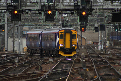 156492 crossing the points outside Glasgow Central