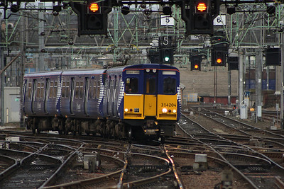 314204 arriving at Glasgow Central