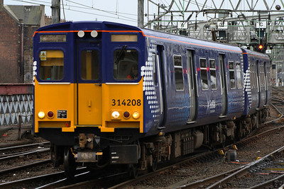 314208 on approach to Glasgow Central