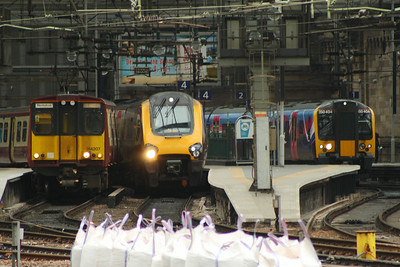 314207, 221123 and 350404 Glasgow Central (High Level) Glasgow 08/07/2014