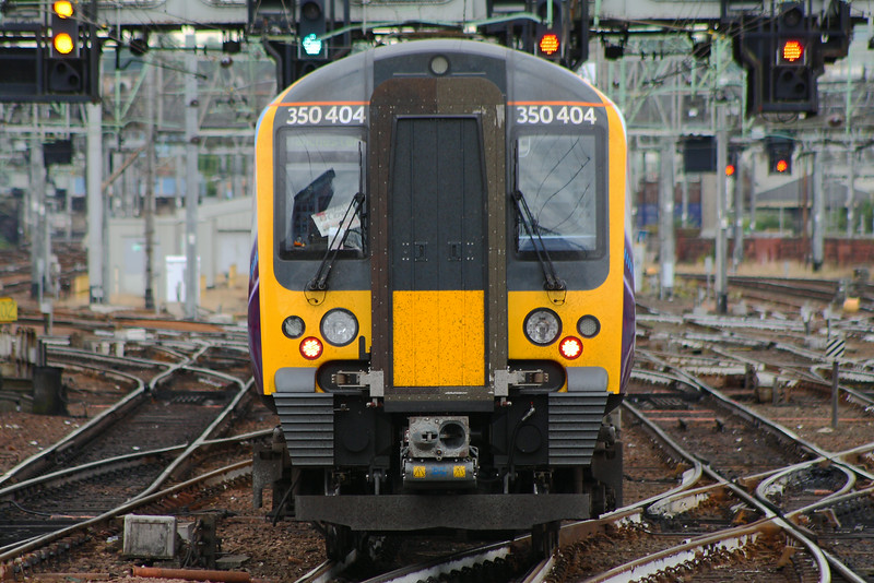 350404, departing for Manchester Airport Glasgow Central (High Level) Glasgow 08/07/2014