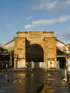 Archway at Platform 11a, the buildings having been demolished as part of the works to be done in conjunction with extending the station and putting two new platforms where the car park is now.