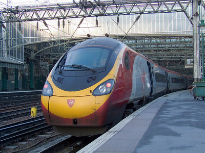 390049 Virgin Express at P2 of Glasgow Central