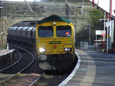 66583 thundering through Johnstone en route to Hunterston