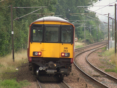 318263 departs Johnstone on a service to Ardrossan Harbour