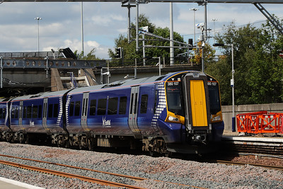 380107 passing through Cardonald with with a Glasgow Central service