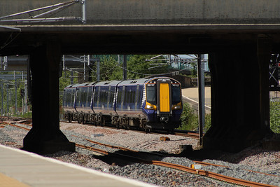 380107 approaching Cardonald with with a Glasgow Central service