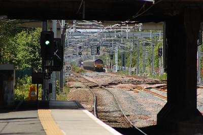 66185 passing through Hillington East on service 6G07 Hunterston to Longannet PS