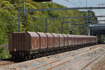 66185 after passing through Cardonald on service 6G07 Hunterston to Longannet PS