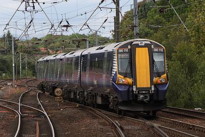 380110 departing Platform 3 for Glasgow Central