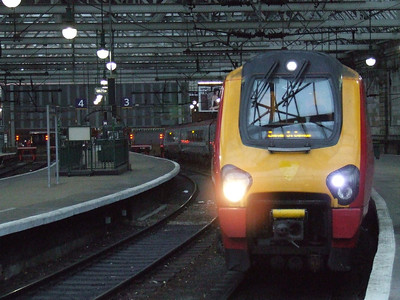 De-branded 221124 at Glasgow Central to form a Cross Country service to Exeter St Davids