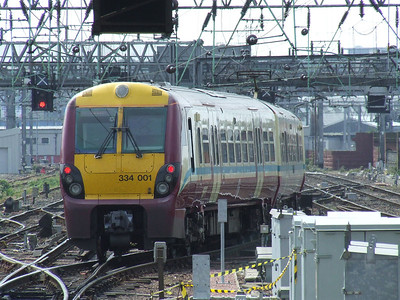 334001 departing Glasgow Central on a Gourock service
