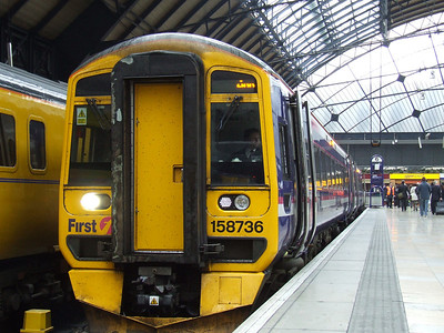 158736 at P6 waiting to depart to Anniesland