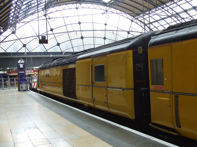 43062 Johns Armitt at Glasgow Queen Street with the New Measurement Train