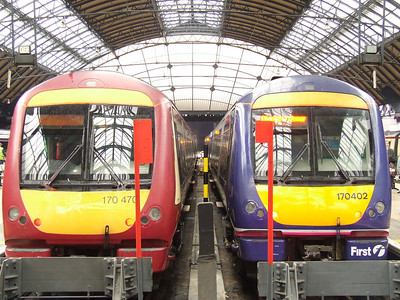 170470 and 170402 at P4 and P5 of Glasgow Queen Street