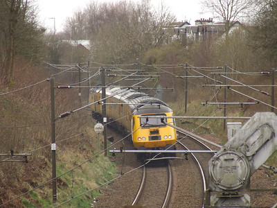 43013 passing through Elderslie at the rear of the Network Rail New Measurement Train as it heads towards Falkland Yard in Ayr