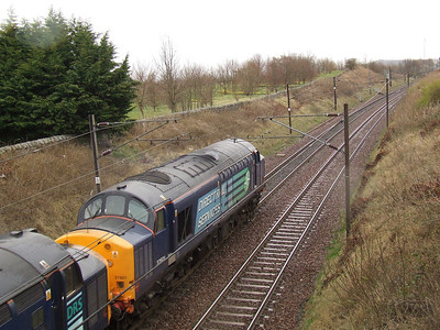 DRS 37601 passing through Elderslie with the nuclear flask service from Hunterston PS to Carlisle Kingmoor
